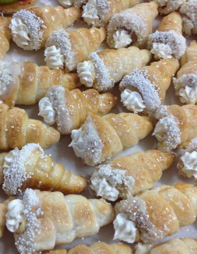 lolly buffet cream horns