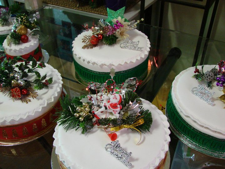Christmas Cakes (made by Mackay Cakes)