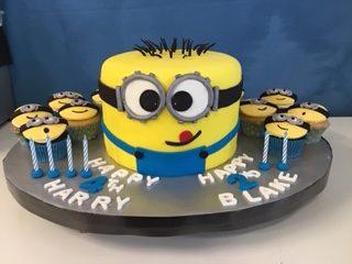Tremendous Minion Cake Archives Mackay Cakes Funny Birthday Cards Online Fluifree Goldxyz