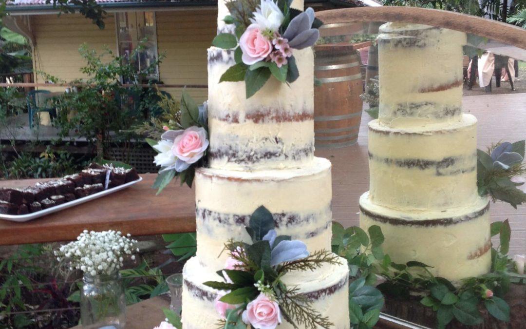 Wedding Cake (made by Mackay Cakes)
